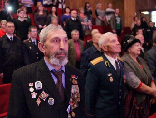 Защитников Отечества чествовали в областной филармонии