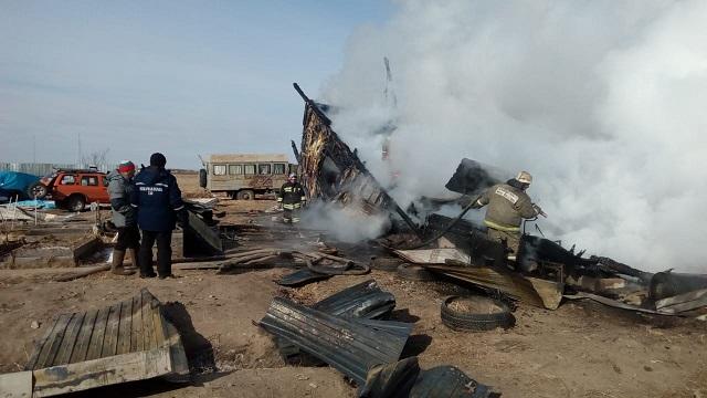 Двухэтажный коттедж сгорел в ЕАО