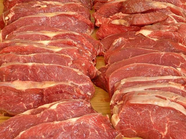 Восемь партий подозрительного мяса изъяли в ЕАО