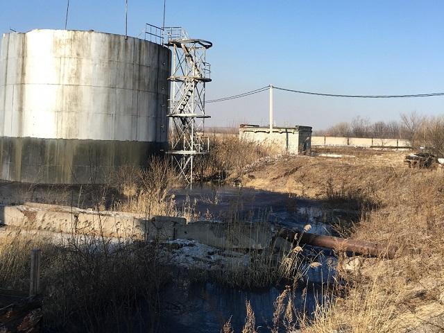 Креозот растекается по реке в ЕАО (ФОТО; ВИДЕО)