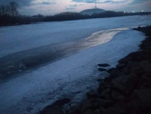 Тело ребенка достали из-подо льда в Биробиджане