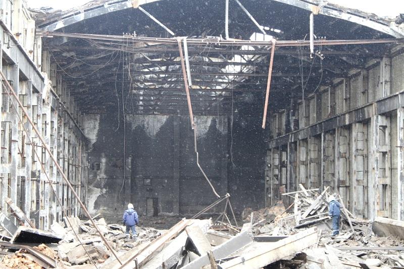 Обрушилась крыша бывшего завода «Дальсельмаш» (ВИДЕО)