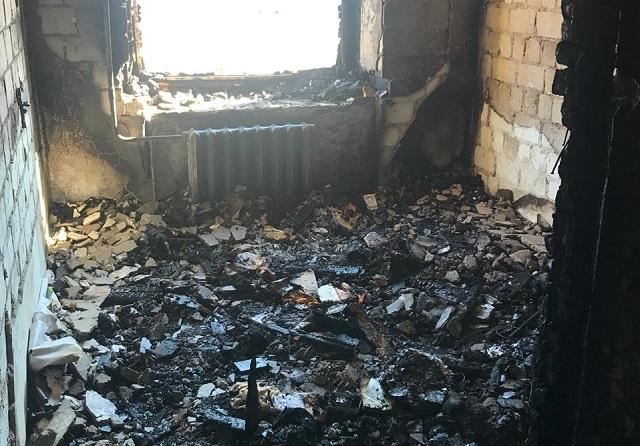 Поджог в Теплоозерске: хозяин квартиры получил ожоги