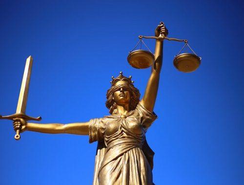 Оштрафованный за неуважение к власти россиянин обжаловал решение суда