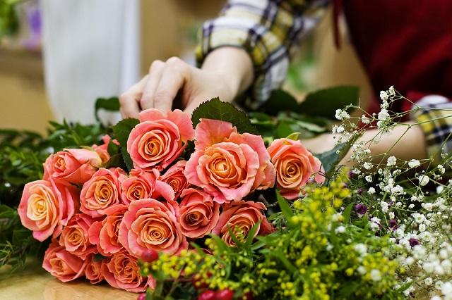Биробиджанец обчистил магазин цветов