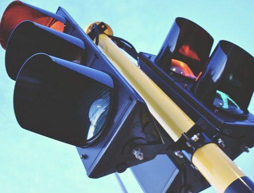 Уровень звука на специальных светофорах регулируют в Биробиджане