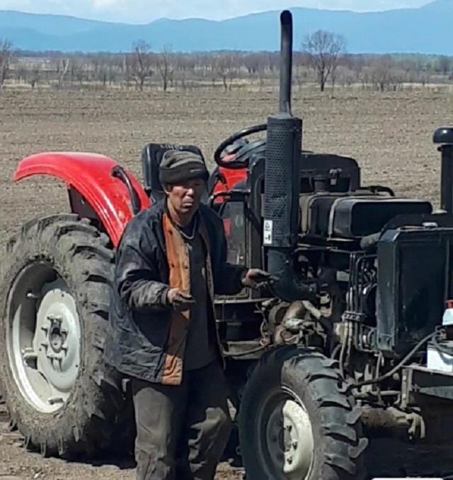 Трактористы и механики из КНР незаконно трудились в ЕАО