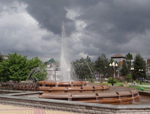 В Биробиджане заработали фонтаны