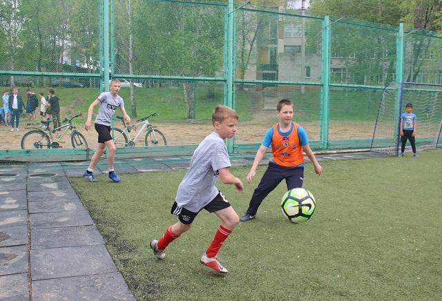 Дню пионерии посвятили футбольный турнир в Биробиджане