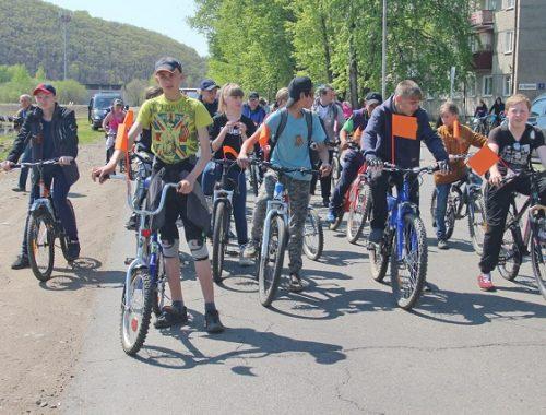 Сотню велосипедистов собрало «Колесо Победы» в Биробиджане