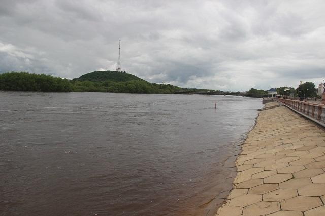 Биробиджанская набережная уходит под воду