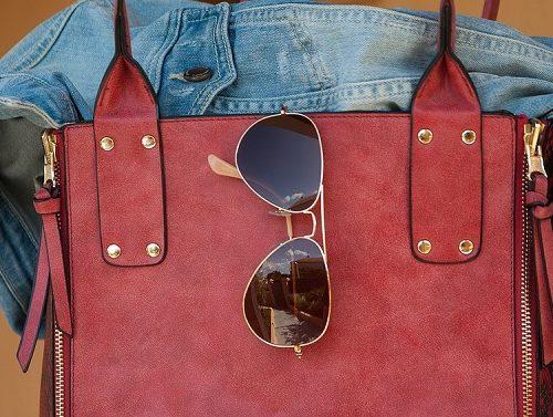 Женщина выгодно продала украденную сумку в Биробиджане