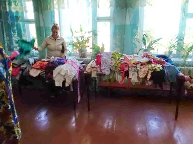 Массовую раздачу вещей устроили в Биробиджанском районе