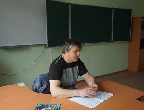 О том, как нелегко добиться спортивных достижений, рассказал воспитанникам колонии Владимир Марковский
