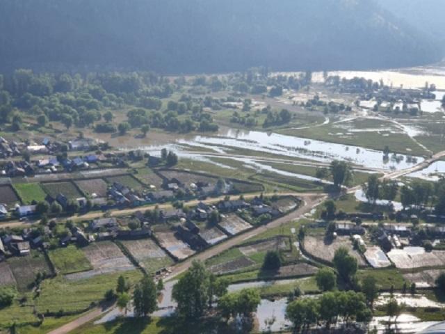 Пять человек погибли, 517 пострадали из-за паводка в Иркутской области