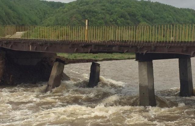 Прокуратура потребовала отремонтировать аварийный мост в Облучье