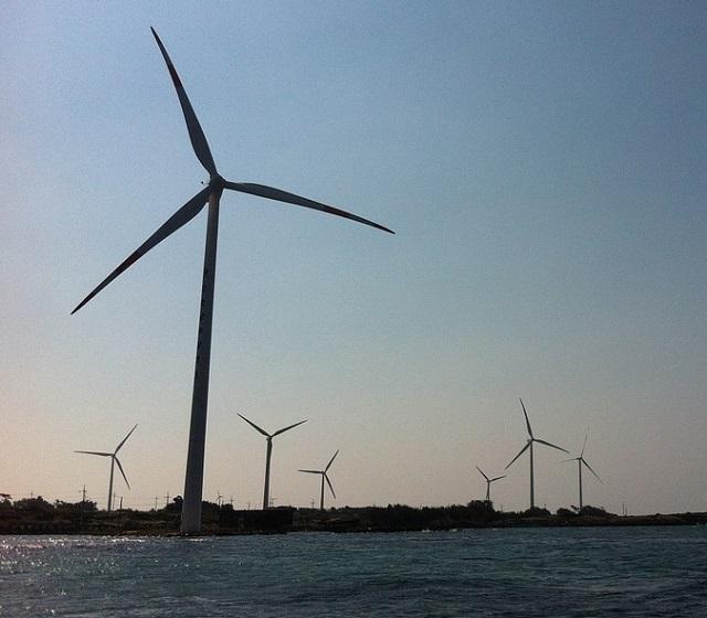 Пенсии россиян хотят направить на строительство ветряных станций