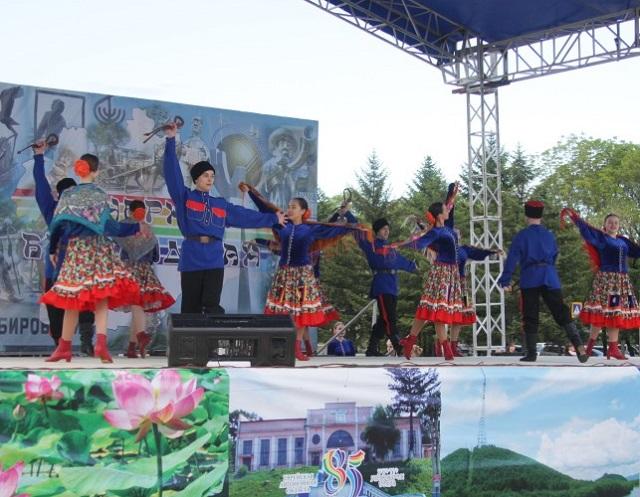 Артисты из Ленинского района приедут завтра с концертом в Биробиджан