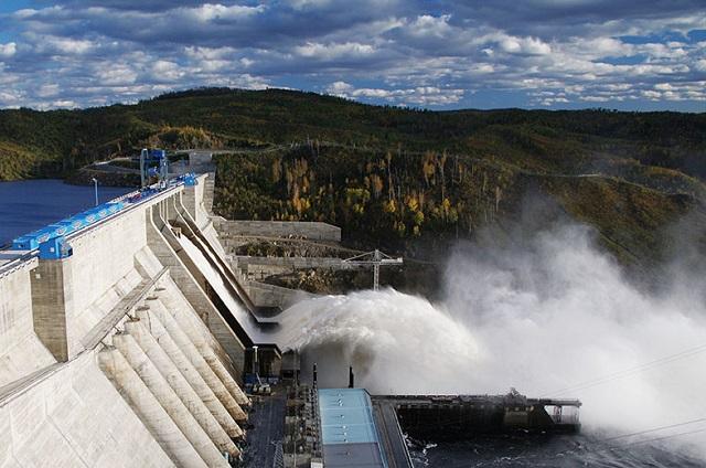 Бурейская ГЭС увеличила сбросы воды до 5 тысяч кубометров в секунду
