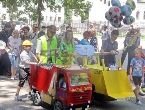 Традиционным парадом колясок отметят День семьи, любви и верности в Биробиджане