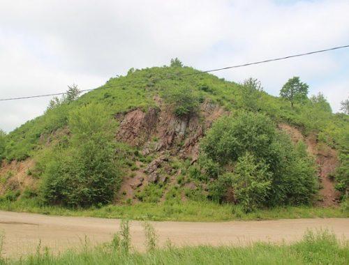 Антисанитарная зона образовалась возле биробиджанской сопки