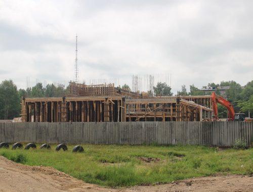Материалы для продолжения строительства крытого катка доставят в конце недели