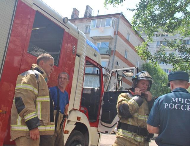 В Биробиджане горел магазин в многоквартирном доме
