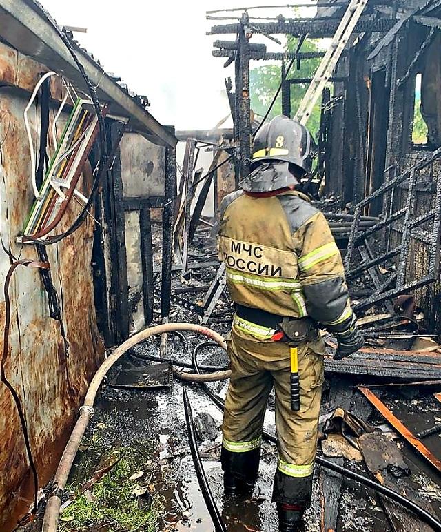 Трое детей едва не погибли при возгорании жилого дома в Биробиджане