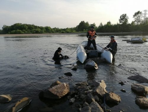 Спасатели третьи сутки ищут утонувшего в р. Бира подростка