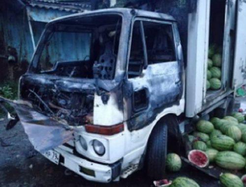 Грузовик с арбузами подожгли в Биробиджане