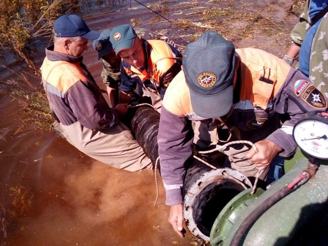 Борьба с паводком продолжается: свыше 4 тыс кубометров воды ежедневно откачивается с подтопленных территорий