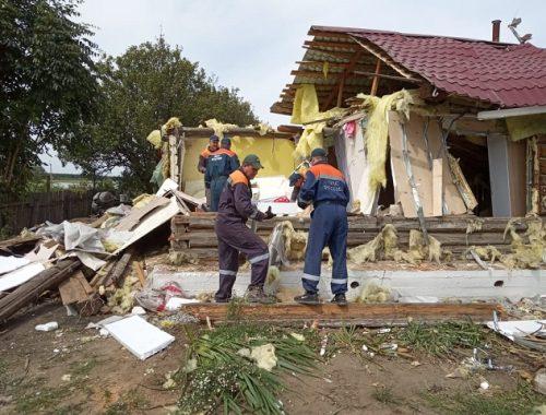 Разбор разрушенного взрывом дома в ЕАО продолжается