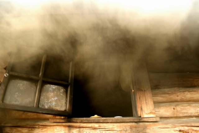 Общественная баня вспыхнула в поселке ЕАО