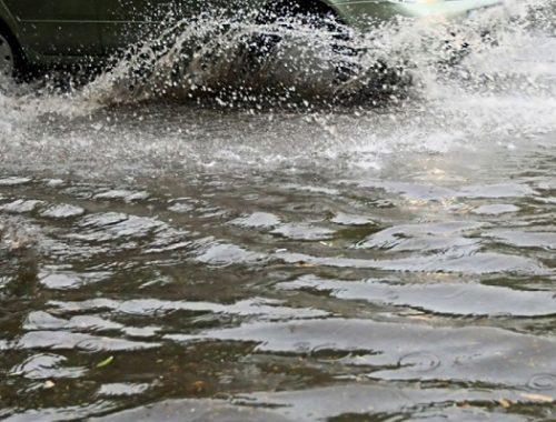 Участок региональной дороги подтоплен в Октябрьском районе ЕАО: движение закрыто
