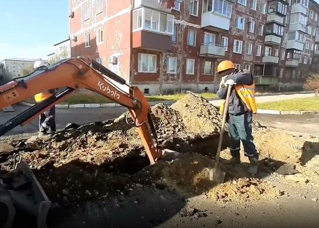 В микрорайоне «Осенняя» раскопали новый асфальт