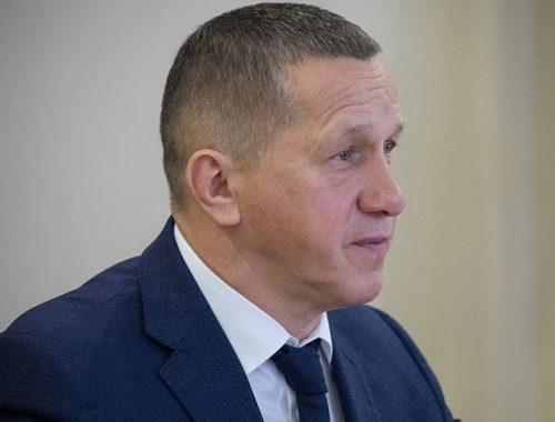 «Причины не убедительны»: Трутнев раскритиковал власти ЕАО за медленное обследование домов после паводка
