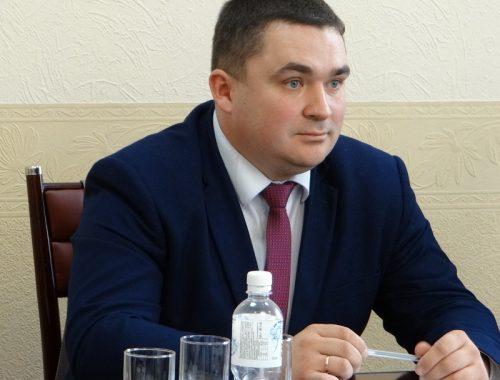Председатель Думы Биробиджана собирает голоса депутатов в поддержку Ростислава Гольдштейна