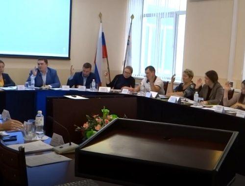 Депутаты-единороссы выступили за повышение зарплат мэру Биробиджана, председателю Думы и его заместителю