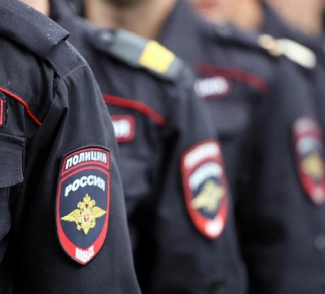 Аварийную бригаду, приехавшую на вызов о затоплении, задержала полиция