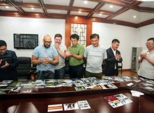 Работы фотохудожников ЕАО попали на страницы издания, посвященного выставке в Китае