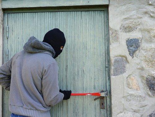 Безработный житель ЕАО признался, что обворовывал хабаровских дачников