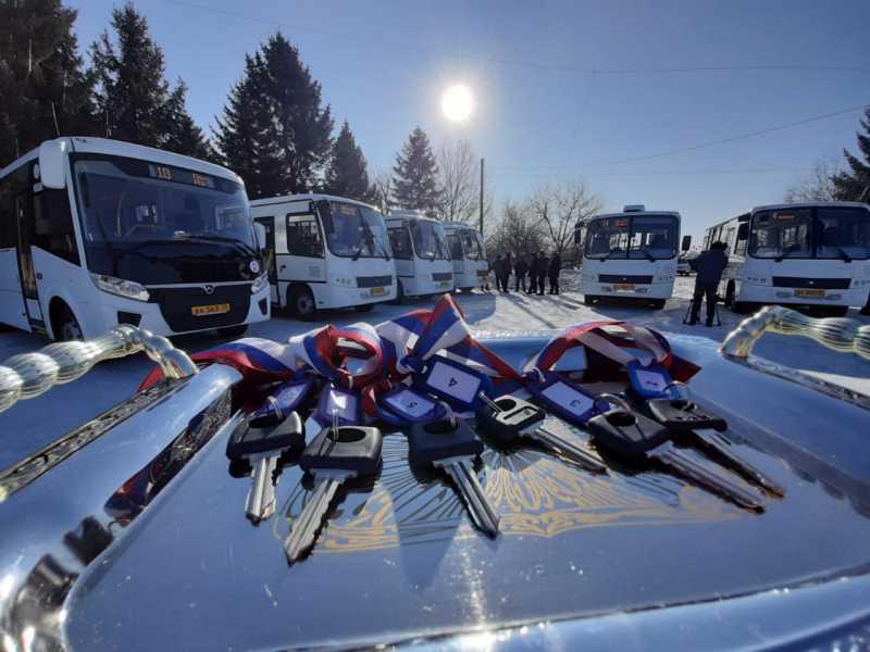 На поселковые маршруты в Биробиджане вышли шесть новых автобусов
