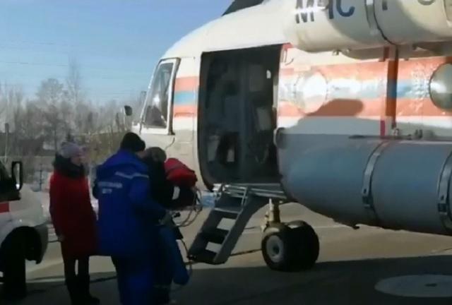 Новорожденную малышку экстренно доставили из Биробиджана в Хабаровск