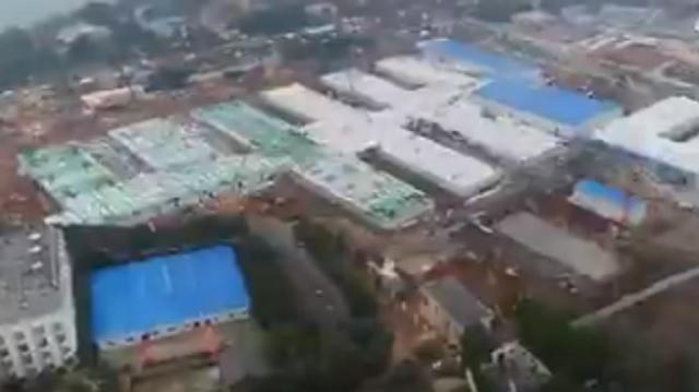 В Китае за 10 дней построили больницу для зараженных коронавирусом