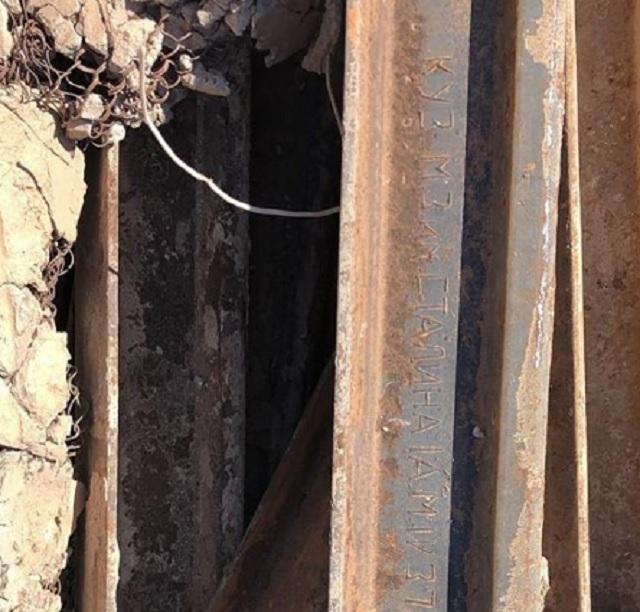 На руинах кафе «Какаду» обнаружили рельсу 1937 года
