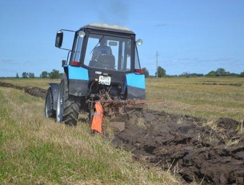 Посевная в ЕАО под угрозой срыва: работать на полях некому