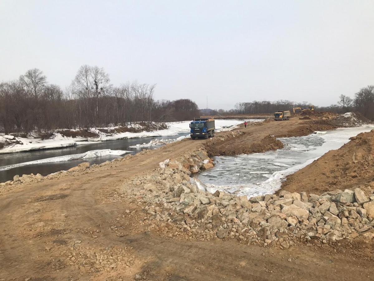 Строительство дамбы в поселке Тукалевский выходит на финишную прямую