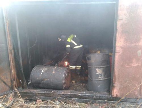 Огнеборцам в Биробиджане удалось избежать взрыва 1,5 тонн горючего