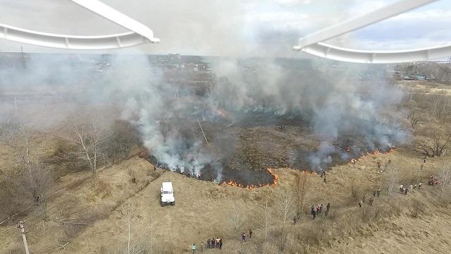 Более 200 раз выезжали спасатели на тушение сухой травы в ЕАО