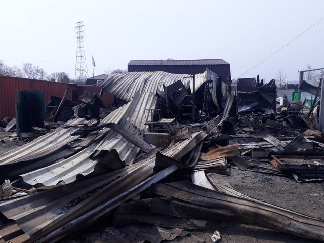 Сразу два магазина сгорели в ЕАО